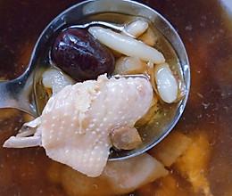 田七西洋参炖鸡汤的做法