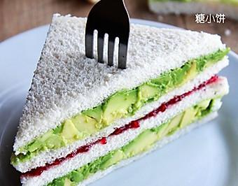 快速营养早餐【树莓酱酪梨三明治】