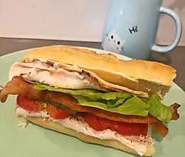 火鸡法棍三明治的做法