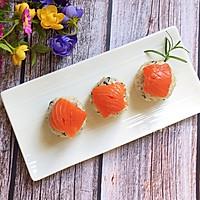 #硬核菜谱制作人#三文鱼饭团的做法图解7