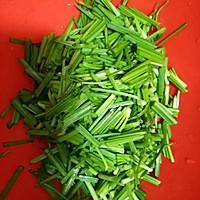 韭菜炒螺丝肉的做法图解1