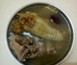 生晒鳘鱼胶煲白鸽汤的做法