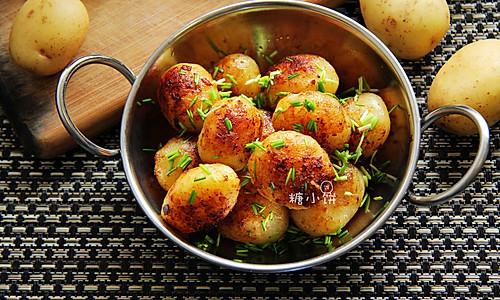 【葱油小土豆】的做法