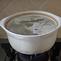 四小时煲出的一锅好汤:[番茄玉米猪骨汤]的做法图解2