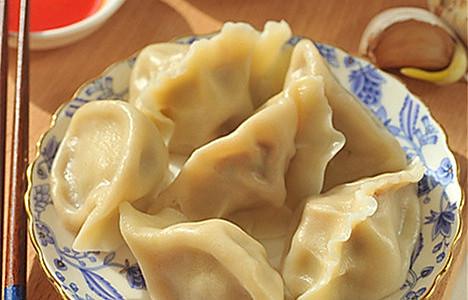 热腾腾的蕃茄牛肉水饺——做出鲜嫩带汤牛肉馅秘方大公开的做法