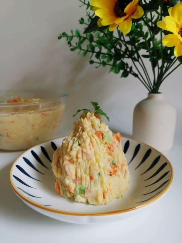 奶香浓郁‼️软糯香甜土豆沙拉的做法