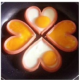 火腿心形鸡蛋