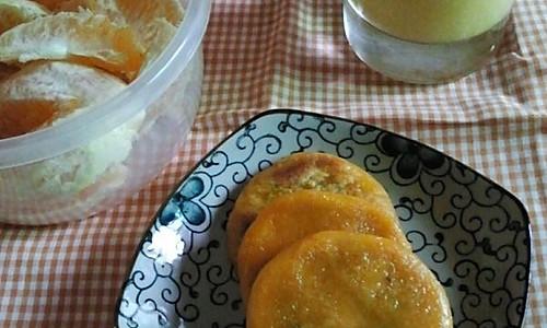 营养的早餐----南瓜饼+玉米汁的做法