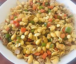五彩黄豆芽含有大量维生素低胆固醇等的做法