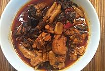 滇式牛肝菌黄焖鸡的做法