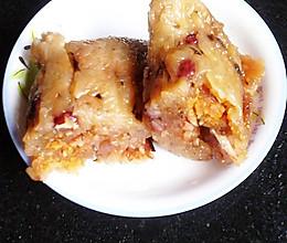 传统蛋黄五香咸肉粽子的做法