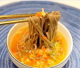 #憋在家里吃什么#解馋解腻吃什么,当然是来一碗酸汤面。的做法