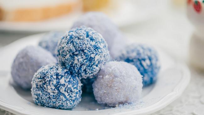 蝶豆花(蓝蝴蝶)椰蓉肉松双色饭团的做法