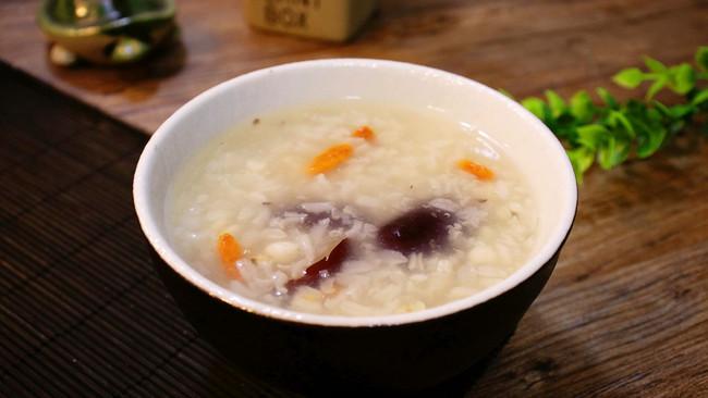 秋季滋补,胜百张面膜【薏米糯米红枣糖水】的做法