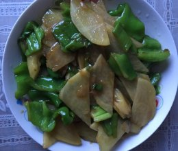 辣椒炒土豆片的做法