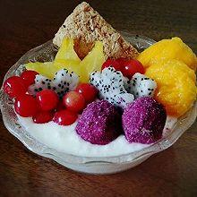 水果麦片酸奶