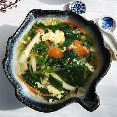 菠菜番茄菌菇汤