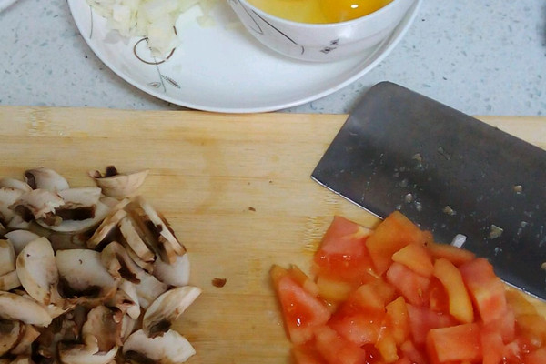 番茄蘑菇炒蛋的做法