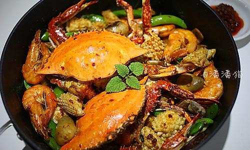 泰国蒜蓉辣酱海鲜锅的做法
