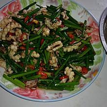 韭菜花炒鱿鱼。