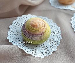 纯天然彩虹蛋黄酥的做法