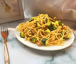 黄瓜这样做简直不仅简单还比饭店做的Q 弹好吃的做法