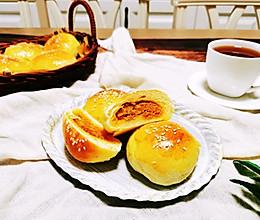 #合理膳食 营养健康进家庭#肉松咸蛋黄小面包的做法