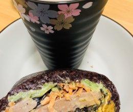 #人人能开小吃店#美味的紫米饭团的做法
