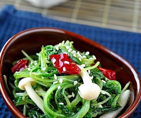 萝卜苗炝拌海鲜菇