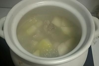 萝卜龙骨汤
