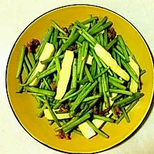 蒜香芦蒿炒白干
