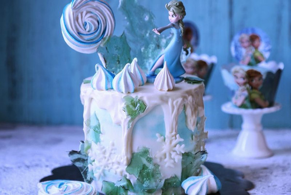 冰雪奇缘生日蛋糕