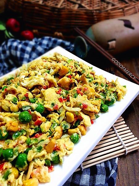 江湖秘籍-神速菜-养颜瘦身的鸡蛋烩虾仁银鱼豌豆玉米粒的做法
