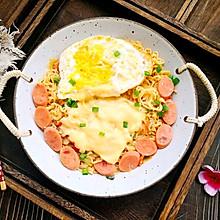 #换着花样吃早餐#好吃到汤渣都不放过的奶香芝士方便面