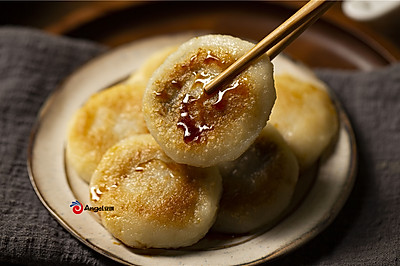 红糖糯米饼,香甜绵软!平底锅版