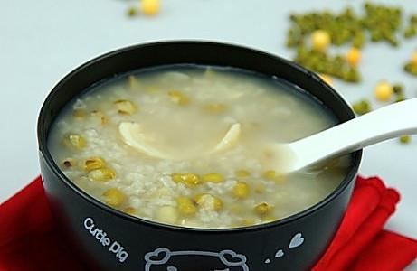 夏季清热解暑最给力的一碗粥----绿豆百合粥的做法