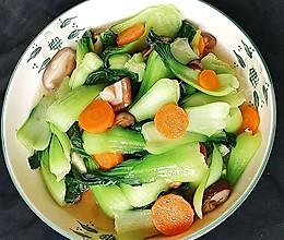 #我们约饭吧#香菇炒油菜的做法