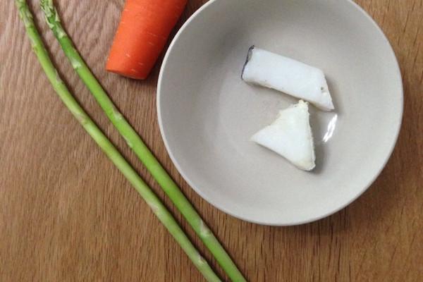 胡萝卜芦笋蒸鳕鱼的做法