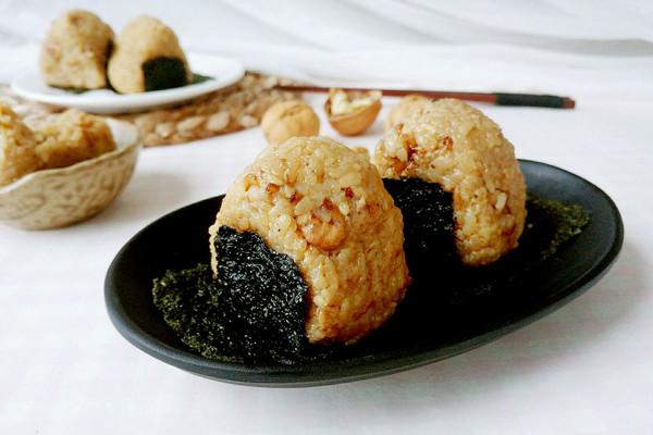 调味海苔核桃饭的做法