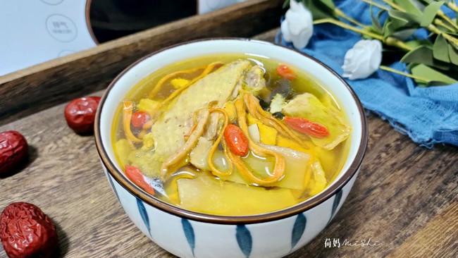 汤鲜味美虫草花土鸡汤(压力锅版)的做法