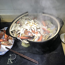 一个有意思的海鲜煲