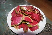 下酒小菜—凉拌心里美萝卜皮的做法