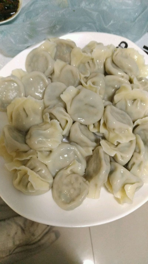 黄花鱼茼蒿饺子的做法