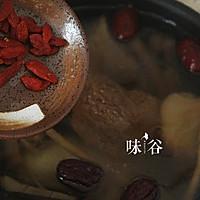 猴头菇炖鸡汤(秋冬养生)的做法图解7