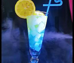 蓝色之恋~蓝椰相遇~饮料的做法