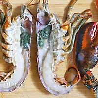 蒜蓉粉丝蒸波士顿龙虾的做法图解3