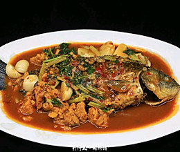 红烧鲫鱼-汤汁比鱼更好吃的做法