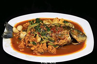 红烧鲫鱼-汤汁比鱼更好吃