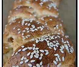 新鲜出炉的发酵辫子面包(Hefezopf)的做法