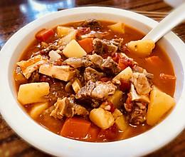 超嫩超浓郁的番茄牛腩煲,汤浓肉软喷香美味,冬天家人的最爱的做法
